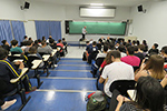 Professor do ITA fala sobre o novo vestibular aos alunos do Objetivo